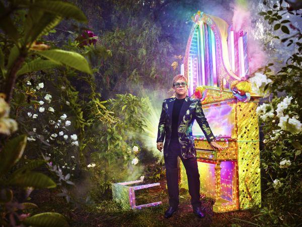 NEWS: Elton John Announces Retirement From Touring